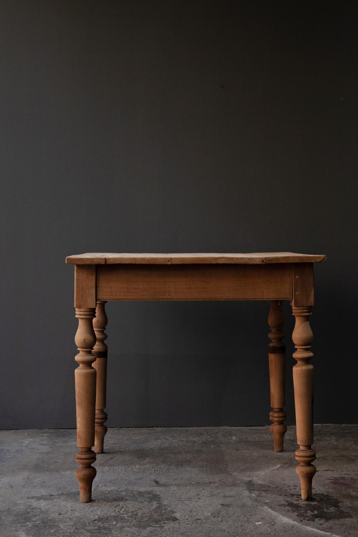 アンティークテーブル,アンティークロングテーブル,清澄白河,アンティークショップ,Antique,Vintage,アンティーク,ヴィンテージ,家具,雑貨,フランス,パイン,テーブル,正方形,アンティークテーブル