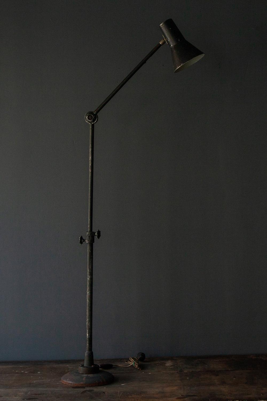 清澄白河,アンティークショップ,Antique,Vintage,アンティーク,ヴィンテージ,家具,照明,デスクライト,フロアランプ,フランス,Mid-Century,ミッドセンチュリー,ビンテージ,ヴィンテージ, BTOUS SENS,アンティークライト,アンティークデスクライト ,ヴィンテージライト,インダストリアルライト,ヴィンテージフロアランプ