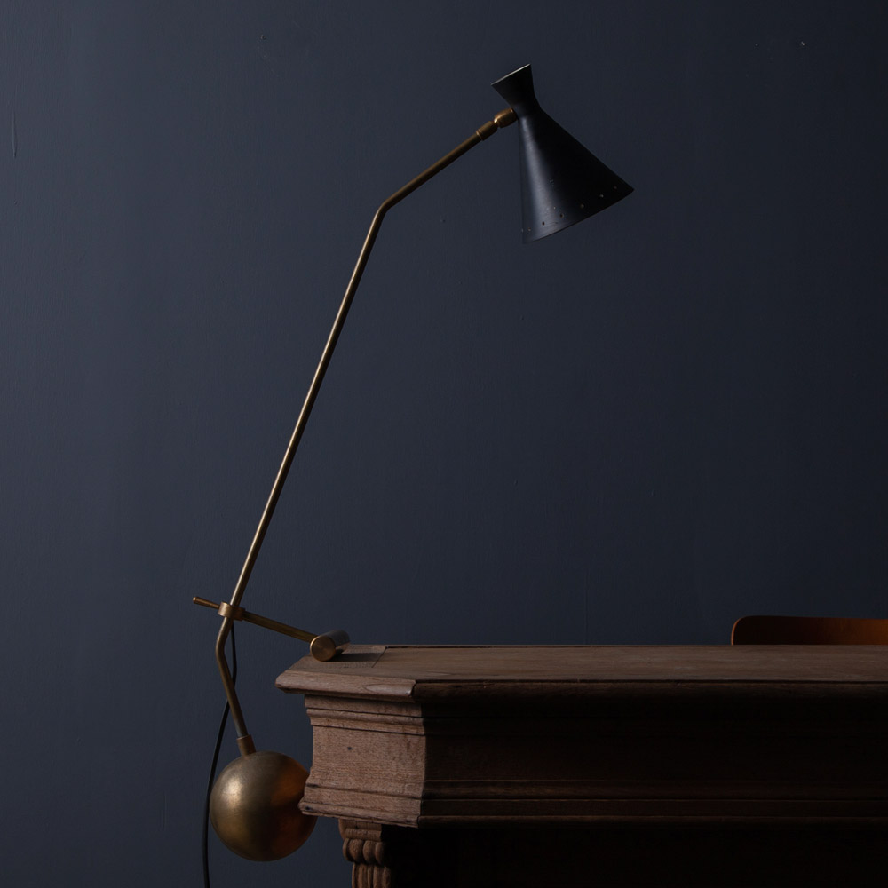 Mid-Century Modern Italian Adjustable Desk Lamp by Stilnovo in Brass and Black