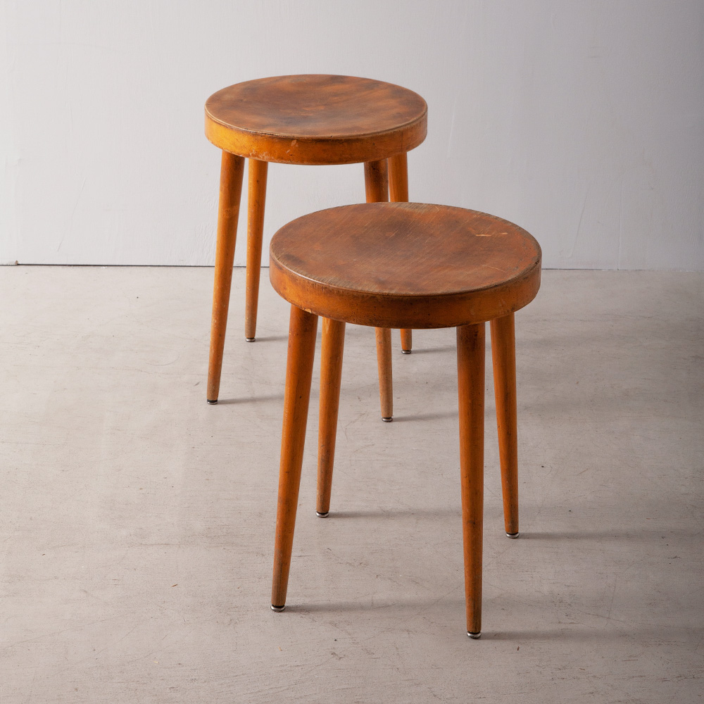 Vintage Round Stool in Clear Beech