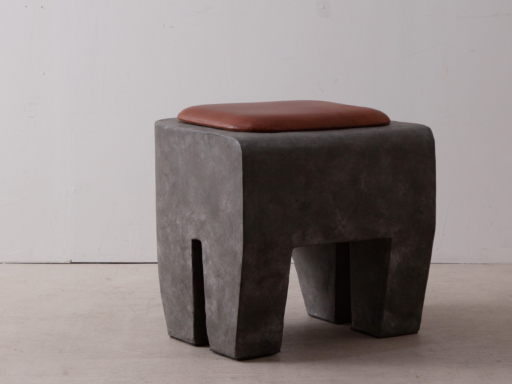 Sculpture Stool & Cushion in Concrete and Leather
