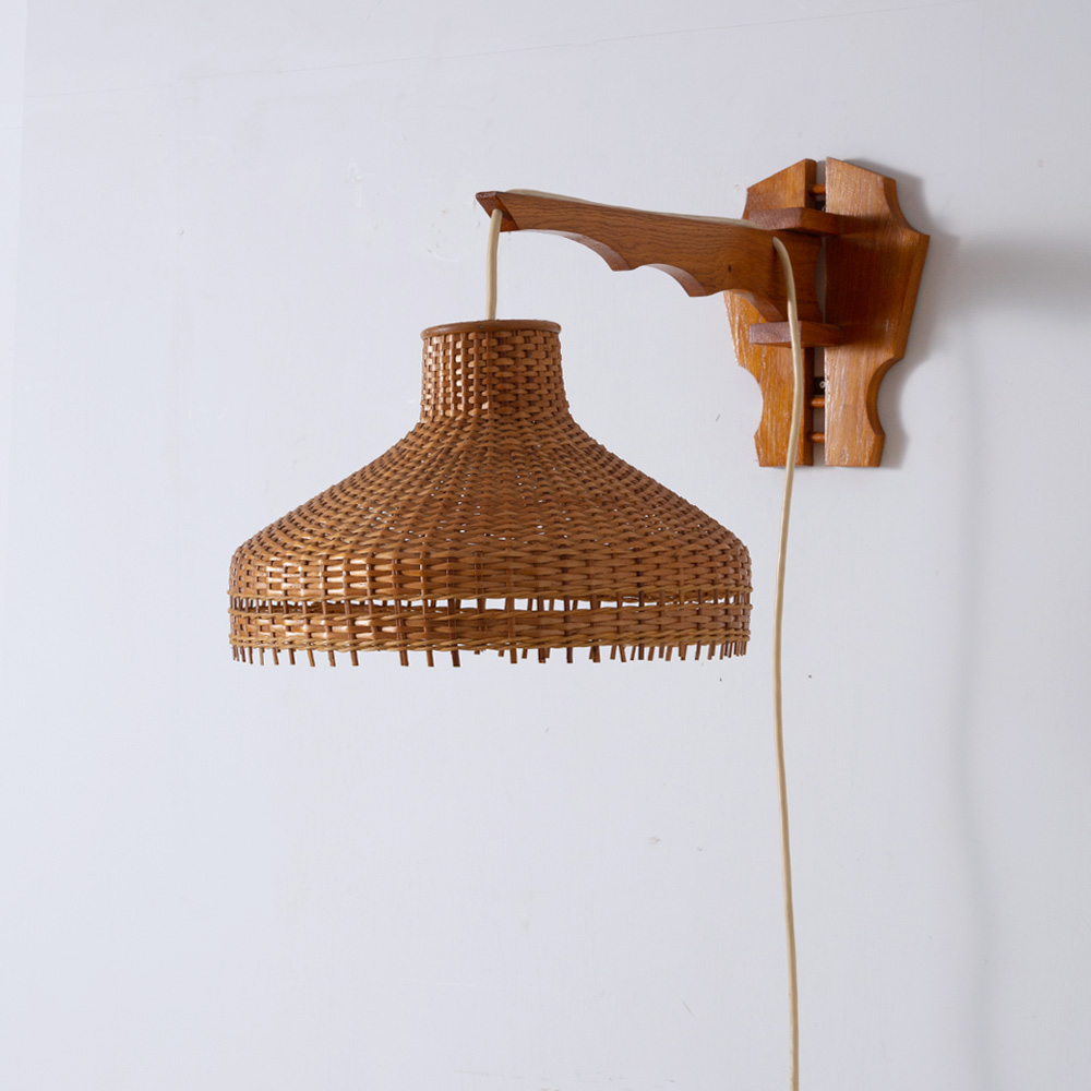 Swiveling Wall Light in Rattan and Wood
