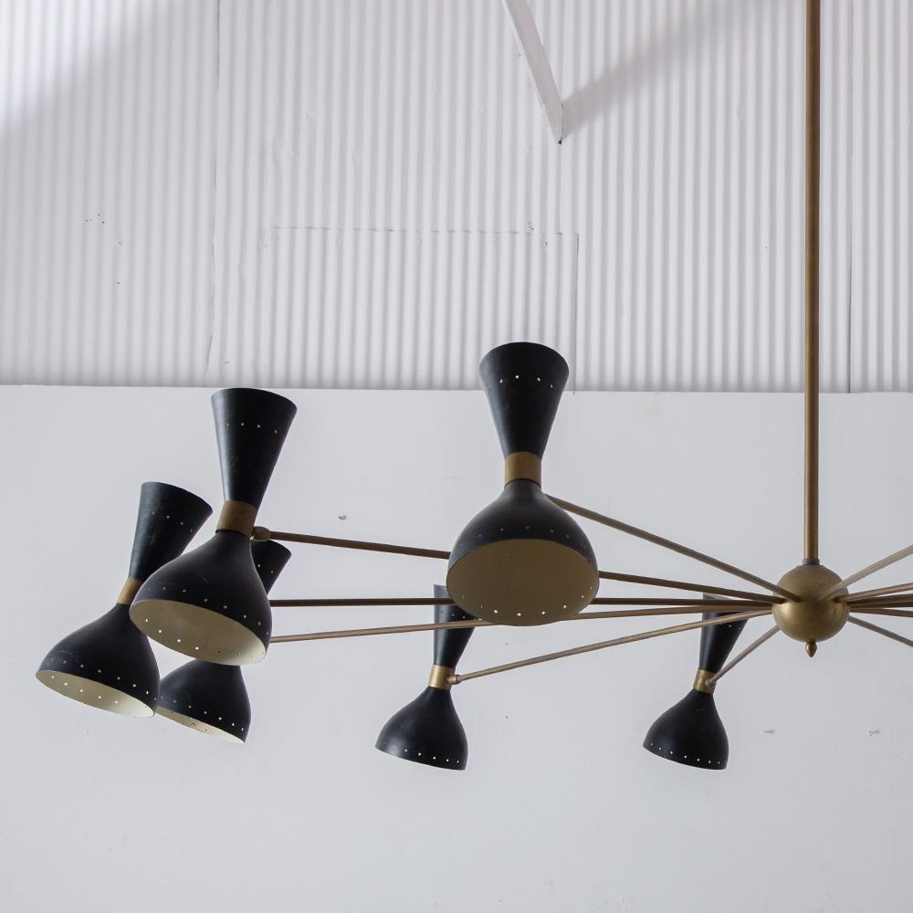 Mid-Century Modern Italian Stilnovo Style Twelve-Arm Brass Chandelier in Brass and Black